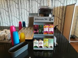 Teebar im Speisesaal / UNIVITA Gut Holmecke